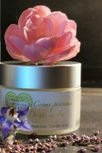 Crème précieuse pour la peau